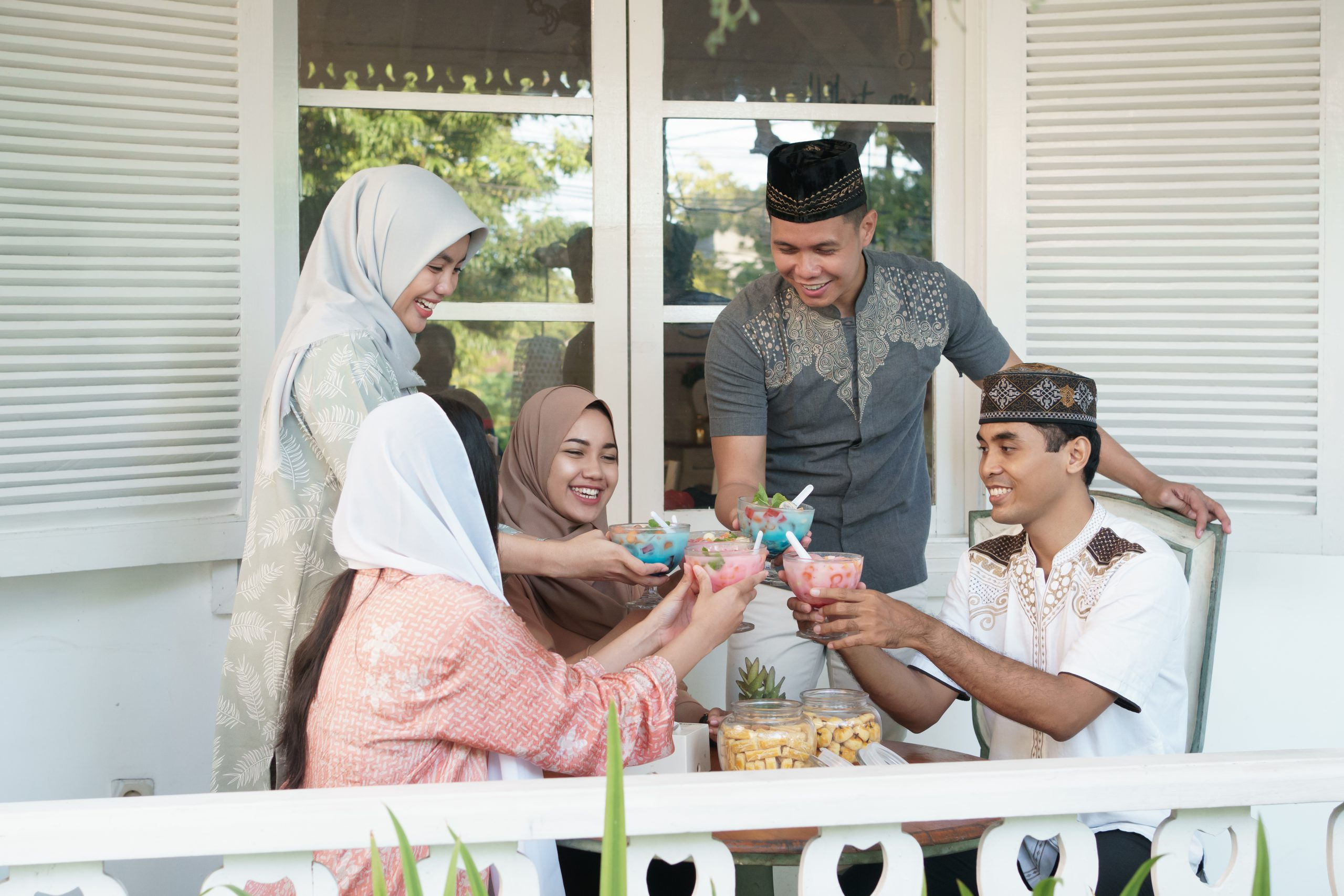 break fast with family during Ramadhan 2020